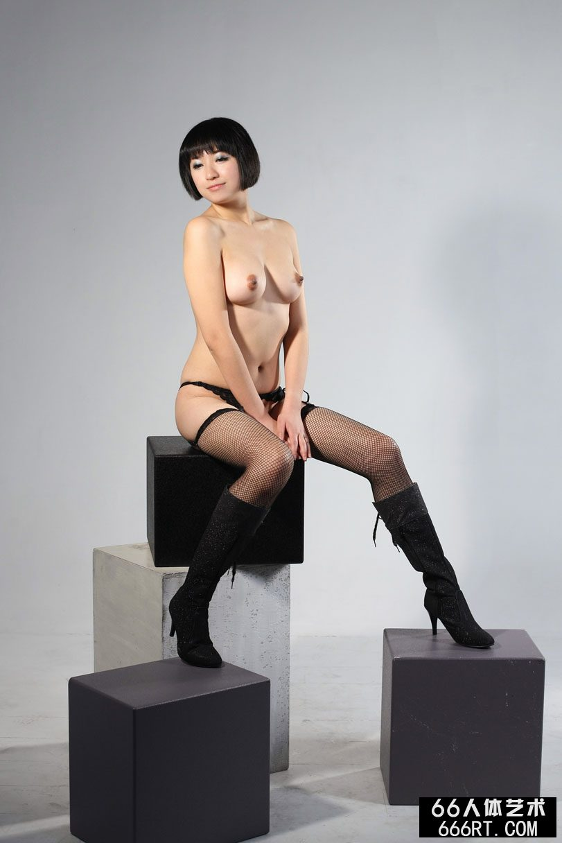 裸模明美08年12月19日室拍